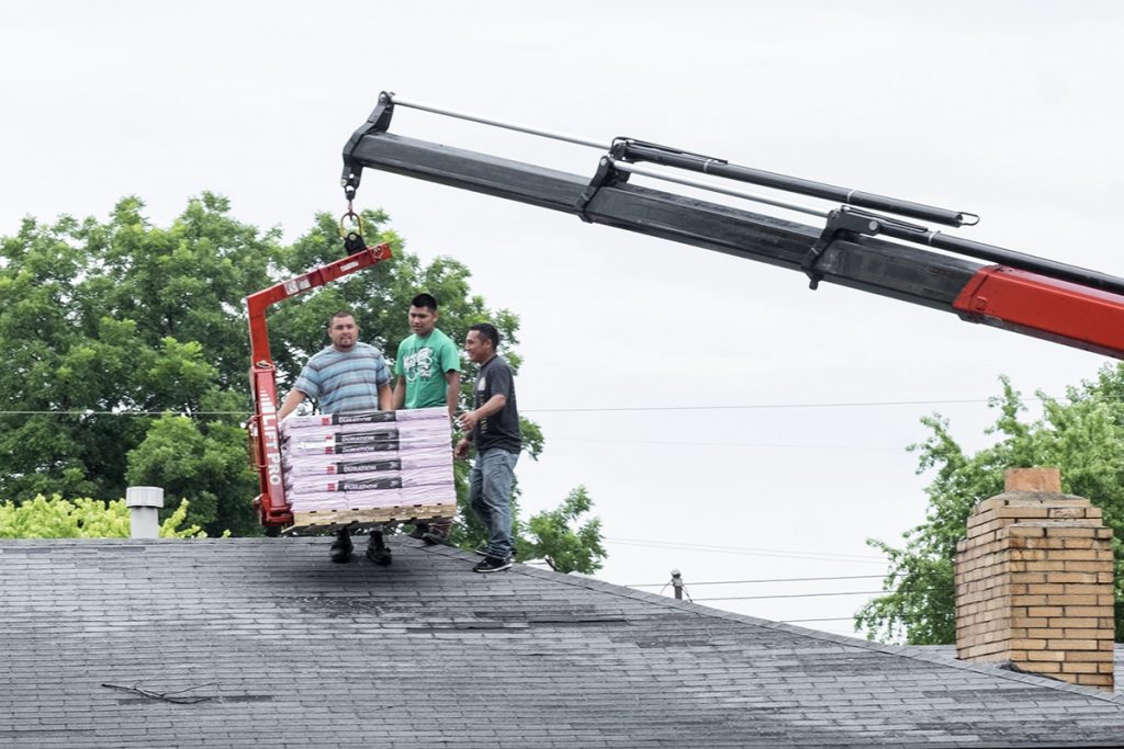 Hispanic Roofers in the Midwest